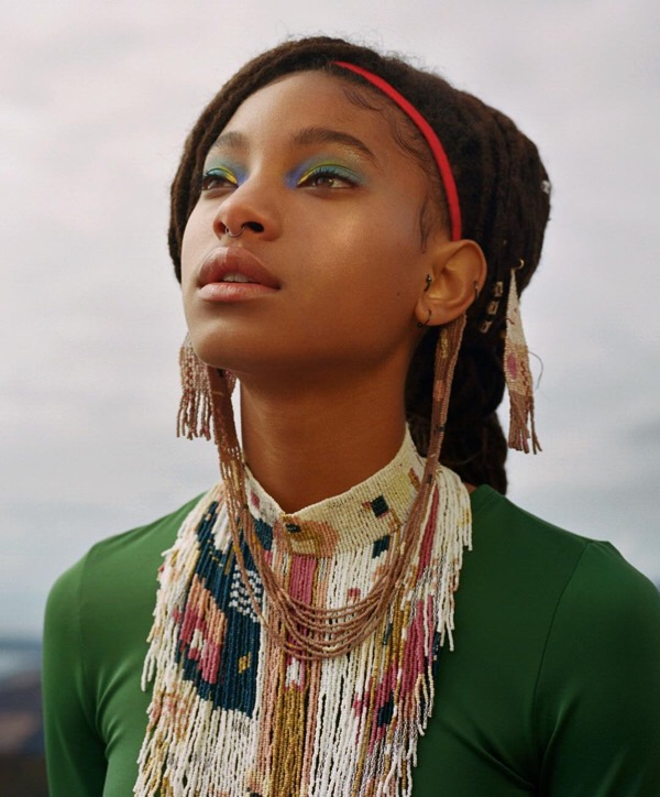 "WILLOW SMITH SAYS THAT GROWING UP FAMOUS IS ""EXCRUCIATINGLY TERRIBLE"""