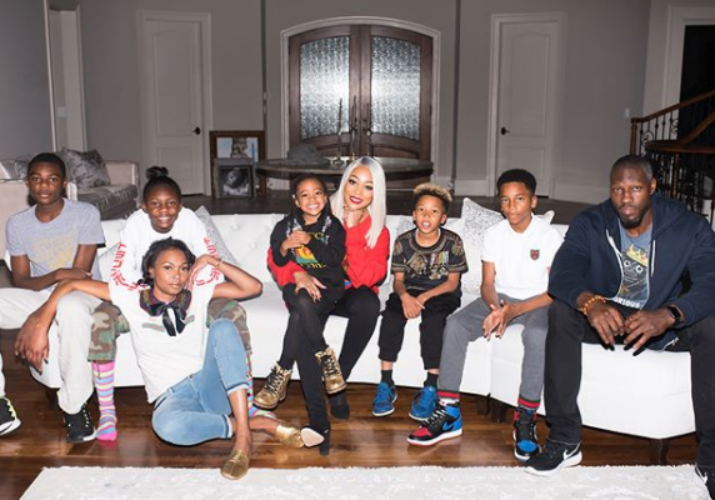 MONICA BROWN AND THE FAMILY SPEND THE HOLIDAYS WITH THE WALLACES