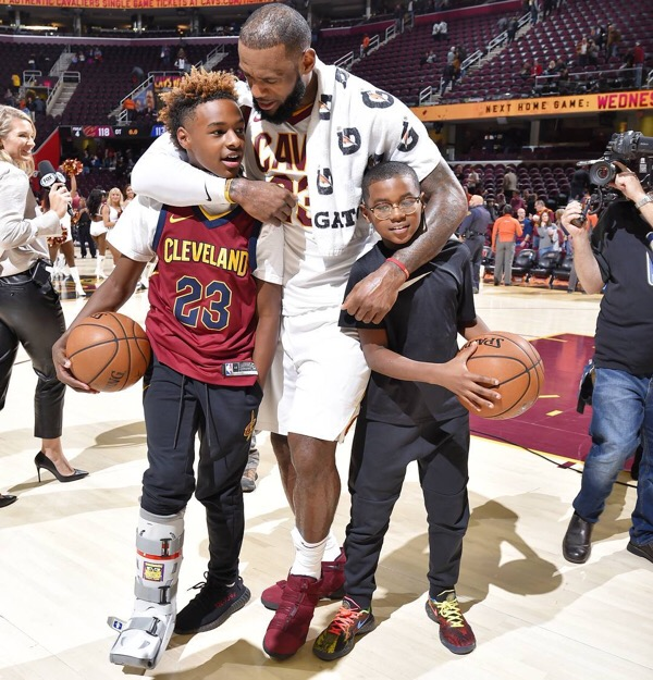 confirmed lebron james and son commit to play basketball in los angeles