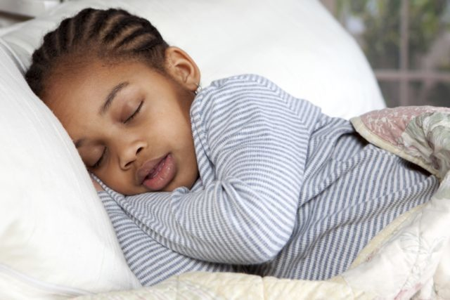 FOUR TIPS TO FOR PARENTS TO HELP KIDS WHO WET THE BED