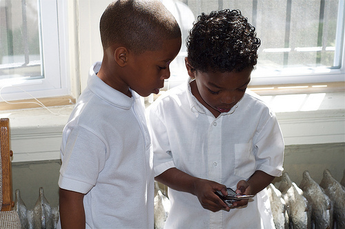 FACEBOOK LAUNCHES NEW  MESSENGER  APP FOR KIDS  AS YOUNG AS  SIX-YEARS-OLD …WOULD YOU  LET YOUR CHILD  LOG ON?