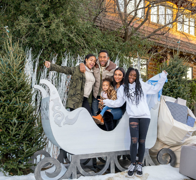 LUDACRIS AND THE FAMILY JOINED THE HARTS THIS PAST CHRISTMAS