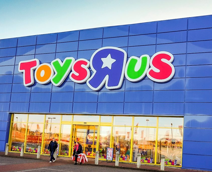Toys R S : Toys r us to close stores across the united states
