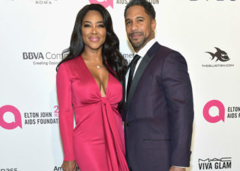 REPORT: KENYA MOORE ANNOUNCES HER PREGNANCY AT REUNION SHOW