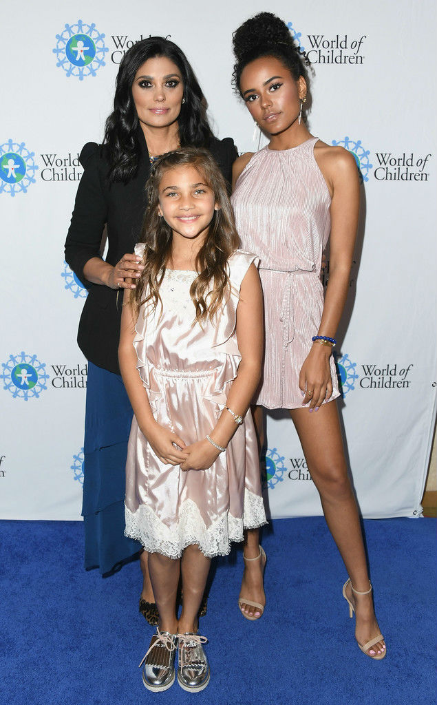 rachel roy and daughters attend 2018 world of children hero awards