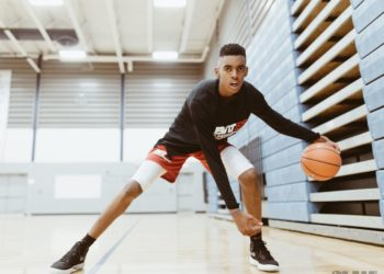 14-YEAR-OLD EMONI BATES IS MAKING A NAME FOR HIMSELF ON THE BASKETBALL COURT