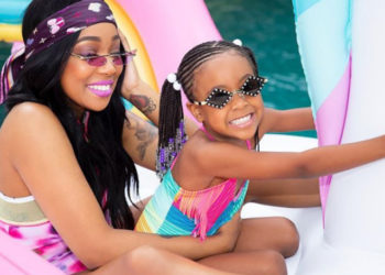 PHOTOS: MONICA AND LAIYAH HAVE FUN IN THE SUN