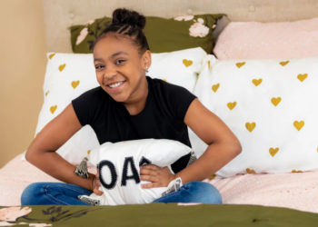 PRIAH FERGUSON OF 'STRANGER THINGS' TAKES US INSIDE HER NEWLY DESIGNED BEDROOM