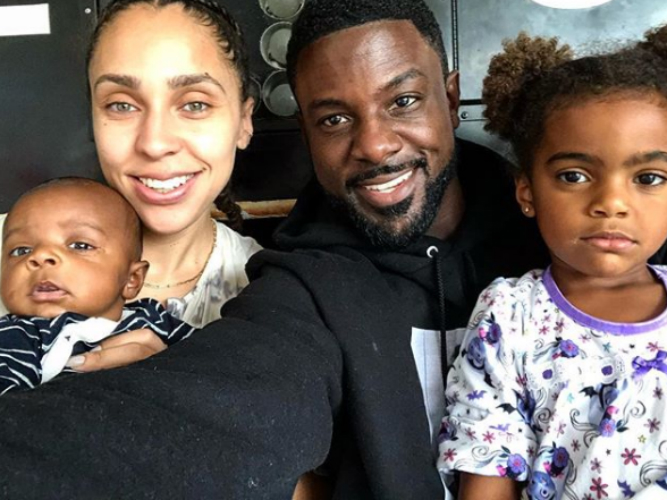 LANCE GROSS, WIFE AND KIDS POSE FOR THE CAMERA