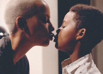 AMBER ROSE GETS MOMSHAMED FOR KISSING HER SON