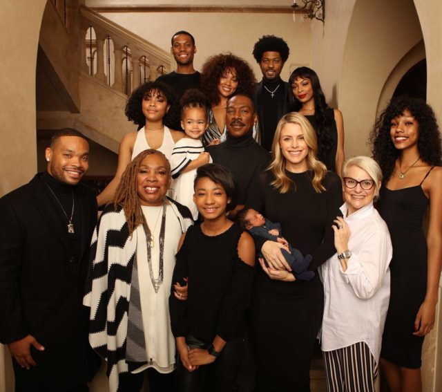 Eddie Murphy poses in Christmas photo with all 10 of his children