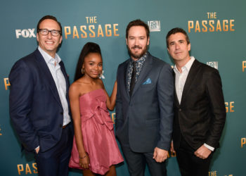 """THE PASSAGE"" TEAM TALKS DIFFERENCES BETWEEN THE NOVEL AND THE SERIES"