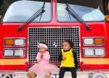 KHLOE KARDASHIAN TAKES BABY TRUE THOMPSON AND NIECE DREAM KARDASHIAN TO THE FIRE STATION