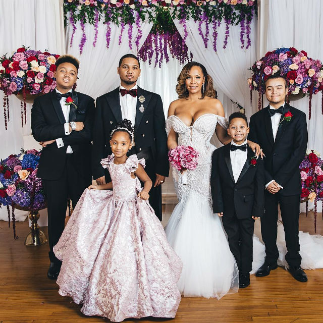 JUELZ SANTANA AND KIMBELLA TIE THE KNOT WITH THEIR KIDS BY THEIR SIDE
