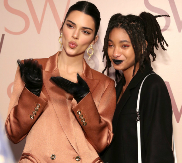 WILLOW SMITH AND KENDALL JENNER CELEBRATE AT THE STUART WEITZMAN SPRING EVENT