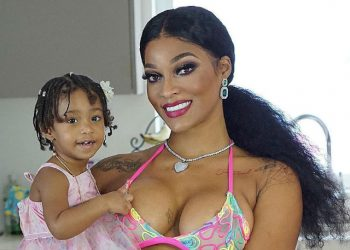 JOSELINE HERNANDEZ AND BABY BONNIE BELLA POSE IN ADORABLE NEW PHOTO