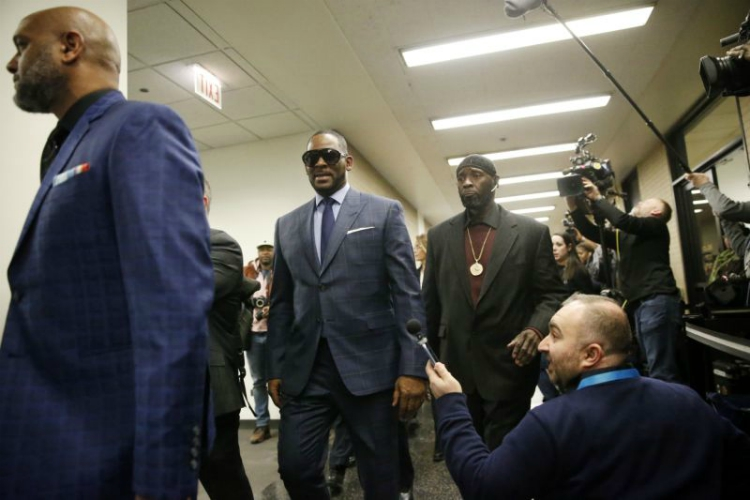 R. Kelly arrested for Failing to Pay Child Support