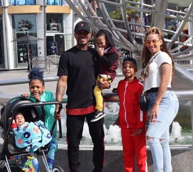 NE-YO, WIFE AND KIDS HAVE SOME SPRING BREAK FUN
