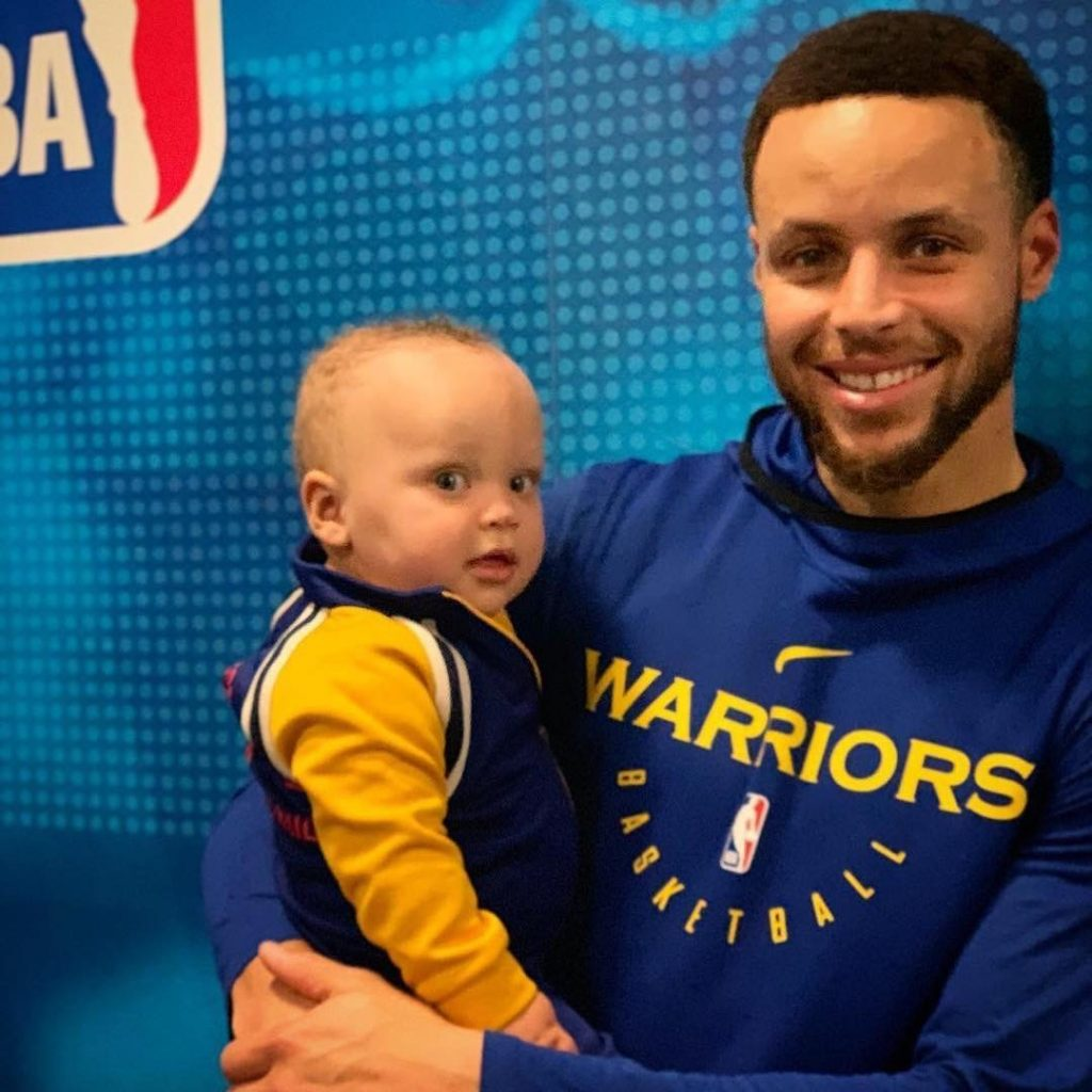 ayesha curry and son canon sit courtside at warriors game