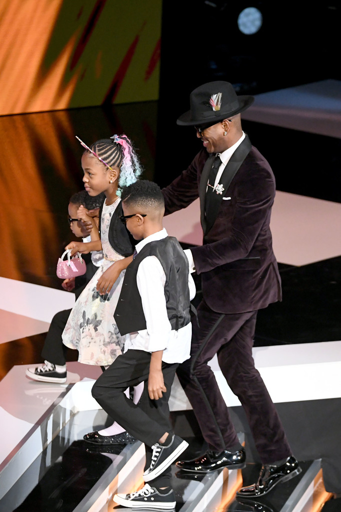 NE-YO AND THE FAMILY HIT THE RED CARPET AT NAACP IMAGE AWARDS 2019