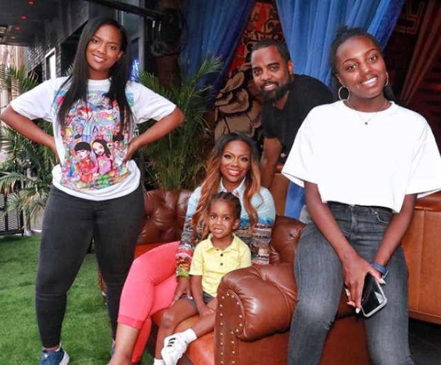 'Real Housewives of Atlanta' star Kandi Burruss expecting baby via surrogate