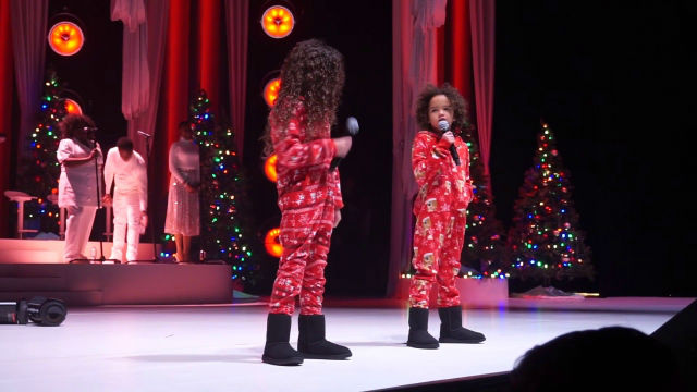 MARIAH CAREY'S KIDS PERFORM AT HER LAS VEGAS CHRISTMAS SHOW