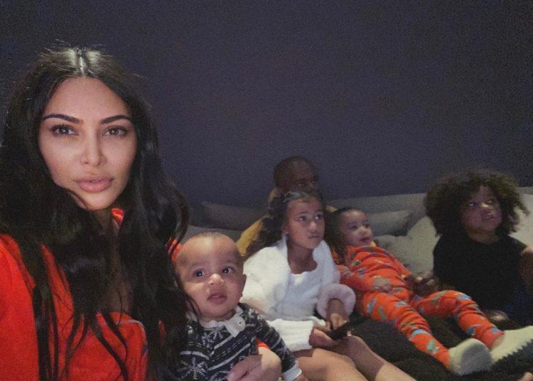 Kim Kardashian left bleeding after fight with Kourtney Kardashian