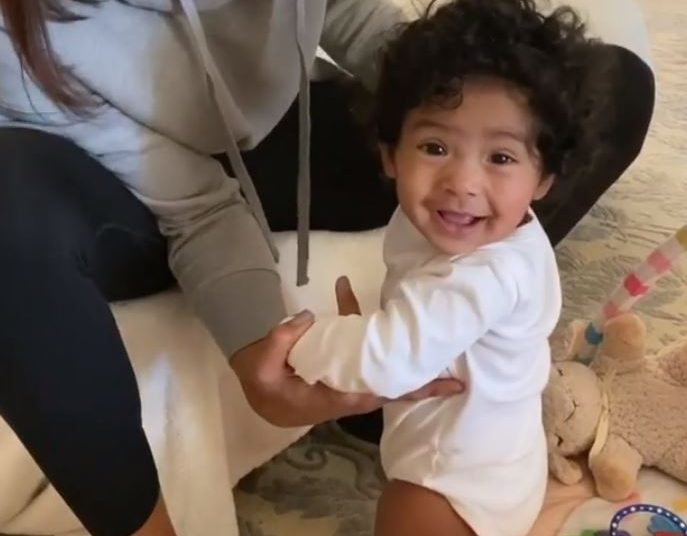 Kobe & Vanessa Bryant's Daughter Capri Adorably Takes First Steps