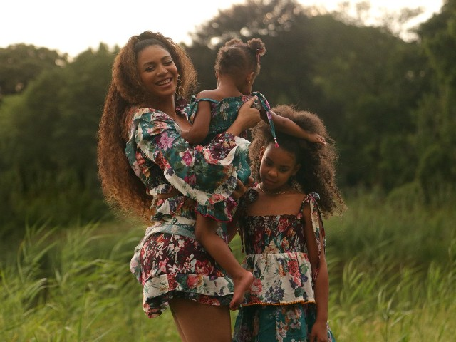 Beyoncé - Discover How She Became the Biggest Female Icon in Music