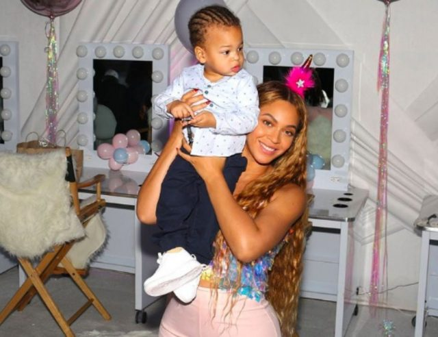 BLUE IVY'S STYLIST SHARES RARE VIDEO OF BEYONCE AND SON SIR DANCING - BCK
